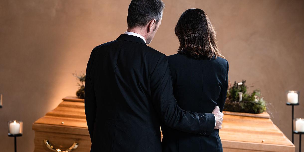 Beerdigung Kleidung Damen